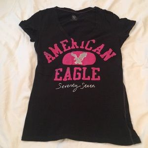 American Eagle 🦅 black V-neck T-shirt Size M